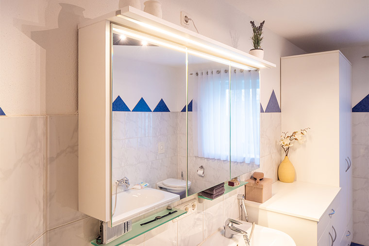 Einrichtung für Badezimmer von der Schreinerei in Deggendorf