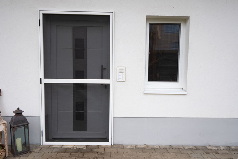 Insektenschutz für Türen von Schreinerei Bachinger
