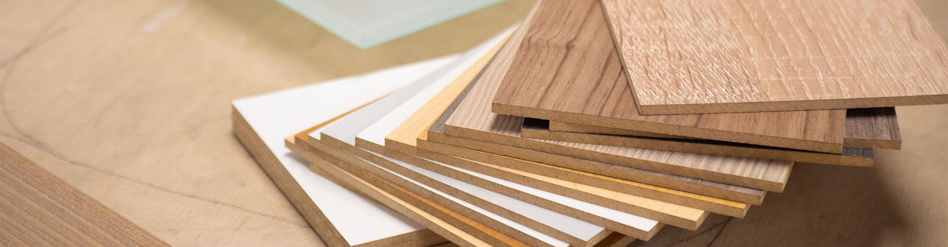 Verschiedene Materialien für den Innenausbau